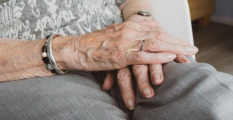 hands-old-old-age-elderly-vulnerable-care